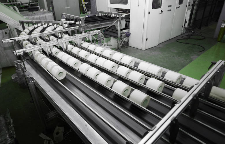 Roller covering and sleeves for tissue converting